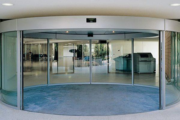 3.درب اتوماتیک شیشه ای منحنی