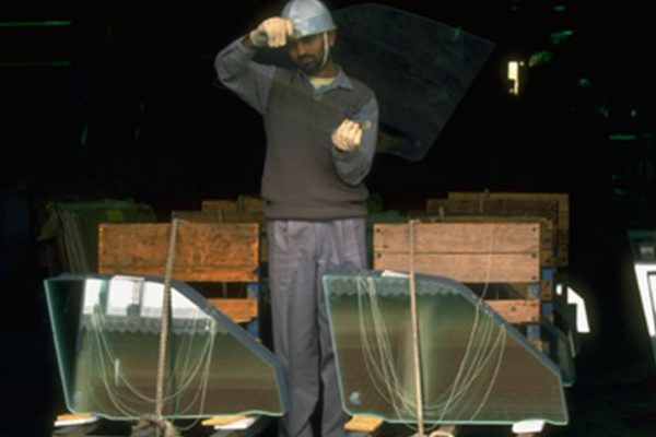 شیشه های سکوریتی چگونه کار می کنند؟