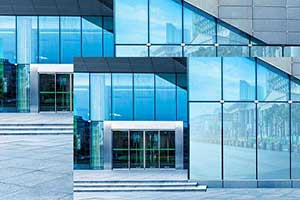 شیشههای سکوریت در نمای ساختمان
