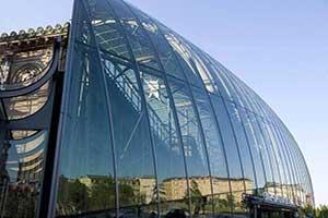 کاربرد شیشههای سکوریت در ساختمانهای تجاری