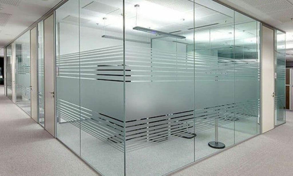 شیشه سکوریتی از محصولات درب اتوماتیک دورال در