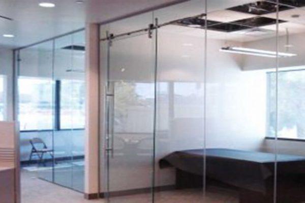 درب شیشه ای معمولی