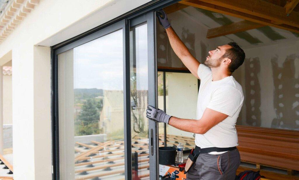 دربهای کشویی نوعی پرطرفدار از دربهای شیشهای هستند.