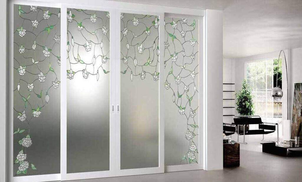 دربهای شیشهای به شکل خانه یا اداره جانی تازه میبخشند.