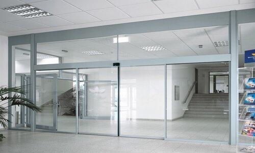 انجام تنظیمات مناسب در دربهای اتوماتیک شیشه ای