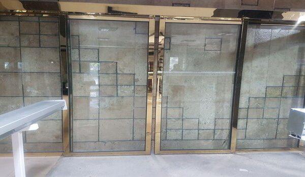درب اتوماتیک شیشهای کشویی