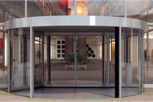 نصب اپراتور شیشهای ظاهر ساختمان را بسیار خاص و جذاب خواهد کرد.
